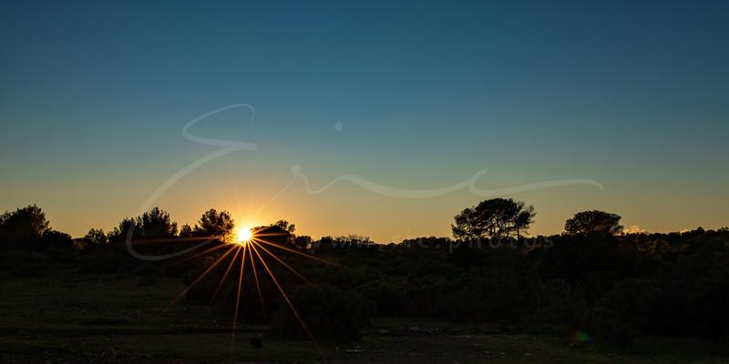 le coucher du soleil à la Pleine des Maures