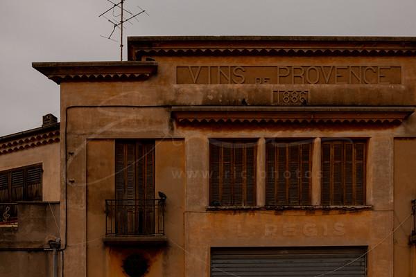 la façade a connu des temps meilleurs