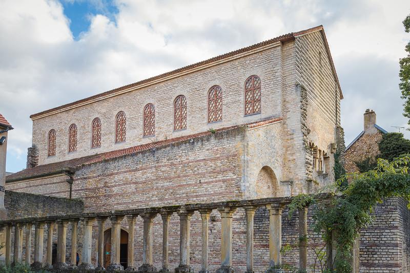 St-Pierre-aux-Nonnains - le plus ancien bâtiment d'église encore existant en France