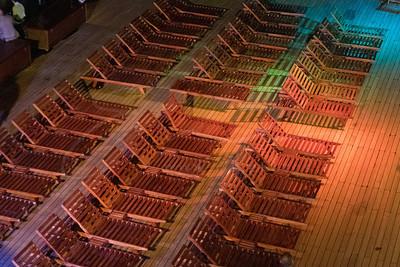 les deck-chairs en teak