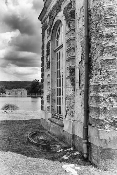 petit pavillon à côté du château de Dampierre