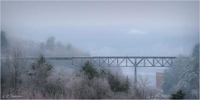 """Pont  de chemin de fer, au dessus du """"Trou du Diable""""  à Shawinigan, Qué,"""