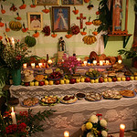 - Autel dans une maison de Naolinco. Petit village dans l'état de Veracruz au Mexique qui célèbre la fête des morts la nuit. <br /> - Altar en una casa de Naolinco. Pequeño pueblo en el estado de Veracruz en México que celebra la fiesta de los muertos por la noche. <br /> -  Furnace bridges in a house of Naolinco. Small village in the state of Veracruz in Mexico which celebrates the feast of the deaths at night<br /> - Altar in einem Haus von Naolinco. Kleines Dorf im Zustand von Veracruz in Mexiko, das das Fest der Toten die Nacht feiert.