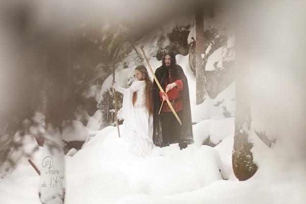 """Dans la neige.... <br /> <br /> Modèles : Graines de Dryade & Aurion Mahariel<br /> > site de Graines de Dryade et ses bijoux ici : <a href=""""http://www.grainesdedryade.com"""">http://www.grainesdedryade.com</a><br /> > site d'Aurion ici : <a href=""""http://aurionmahariel.wix.com/modele"""">http://aurionmahariel.wix.com/modele</a><br /> <br /> Copyright : Ambre de l'AlPe"""