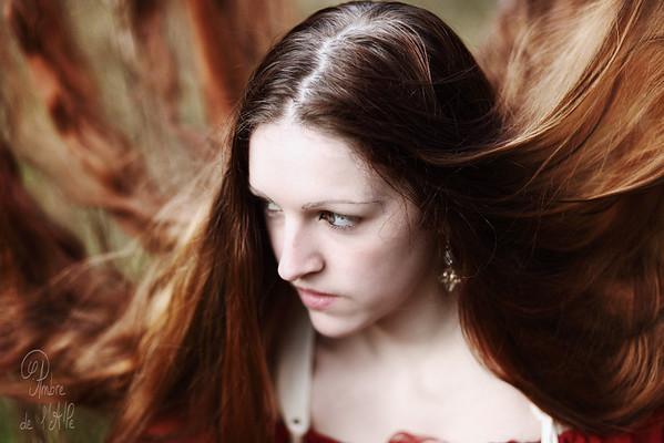 Ivy  Modèle : Ivy > sa page facebook ici : http://www.facebook.com/IvyMod.Aile  Copyright : Ambre de l'AlPe