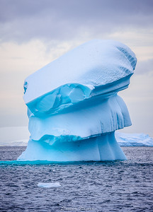 From the Fernande`s logbook: Southern icecream?! Even the giant icebergs find their peace on the Ice Cemetery.  Somewhere between the Pleneau e Booth islands.  #polarexpedition #sailboat #veleiro #wild #adventure #sailingexpedition #fernande #bombazafernande #iceberg #ice #Antarctica #Antartida #natgeo #blue #travel #wanderlust
