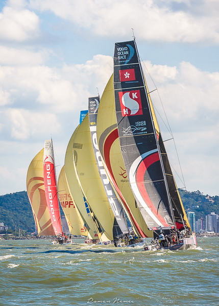 Volvo Ocean Race 2018 - Stop over Itajai, Brasil  - In-port race - Rolling nicely down the wind in a light sea-breeze #volvooceanrace2018 #volvooceanraceitajai #sailing #competition #cleanseas #Itajai #Brasil #volvooceanrace