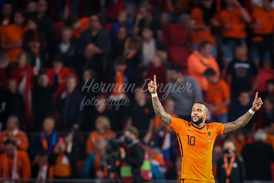 EINDHOVEN, NETHERLANDS - SEPTEMBER 4: Memphis Depay of The Netherlands scores 2-0 during the 2022 FIFA World Cup Qualifier match between Netherlands and Montenegro at the Philips Stadion on September 4, 2021 in Eindhoven, Netherlands (Photo by Herman Dingler/Orange Pictures)