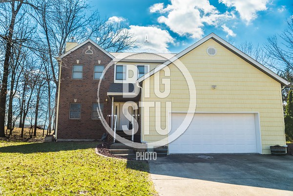 422 Blue Bird Ln, Troy, IL