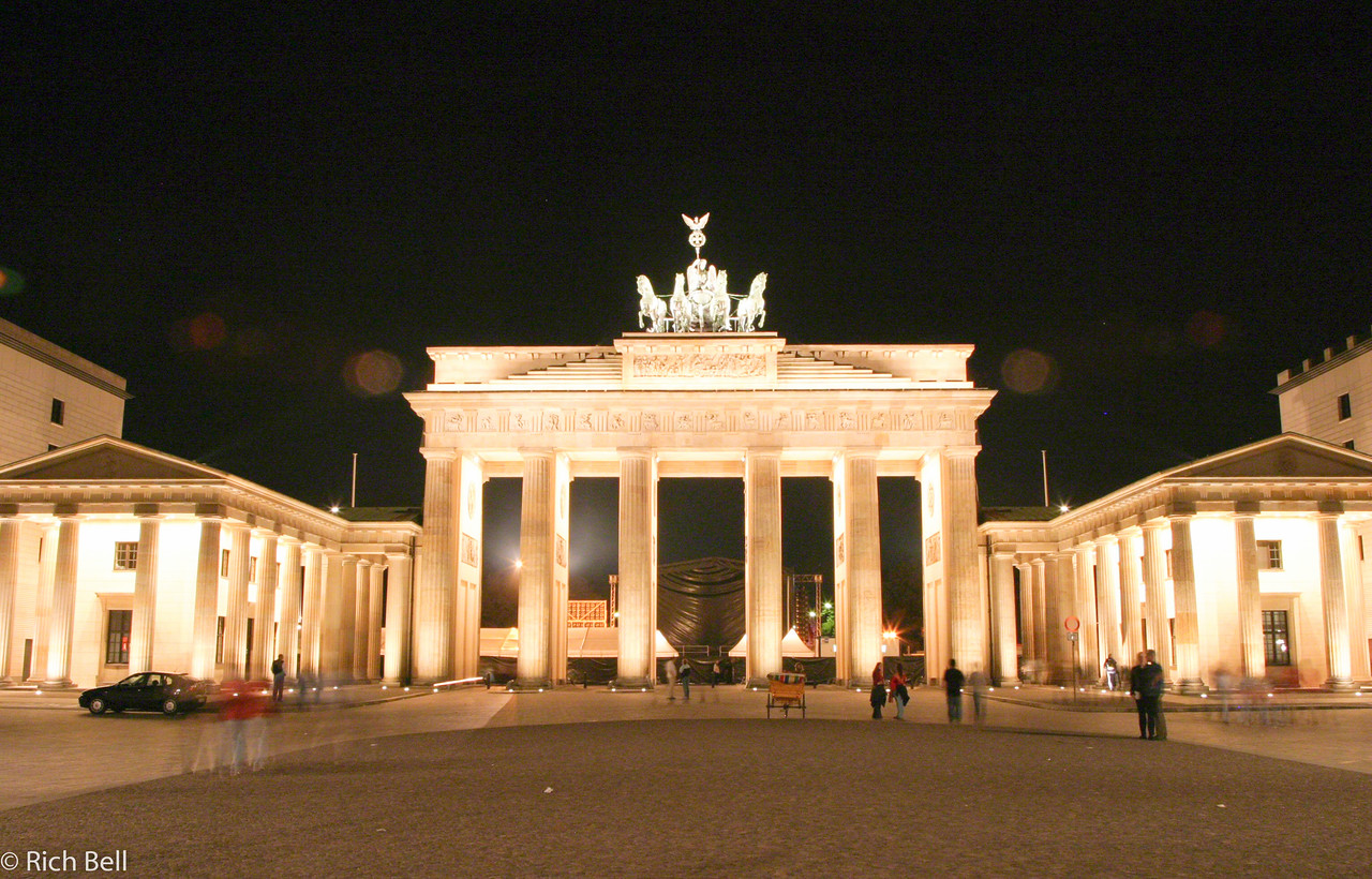 20040912Bradenburg Gate at Night Berlin Germany0044