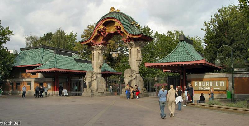 20040912Zoo Entrance Berlin Germany0061