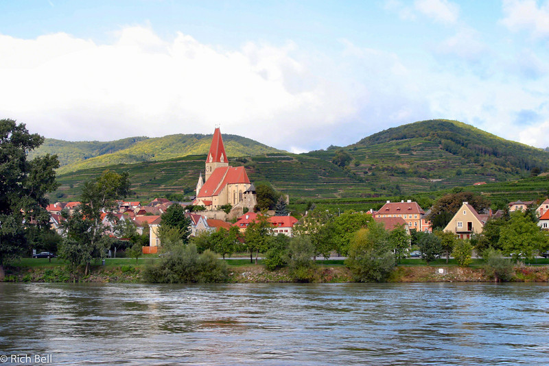 20040924Church on Danube River Austria 20343