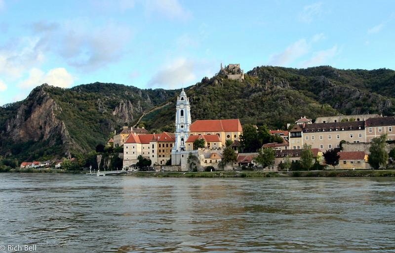 20040924Church on Danube River Austria 30344