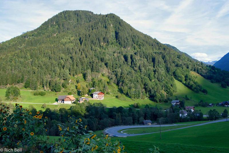 20040919Foothills before Grossglockner Highway0479