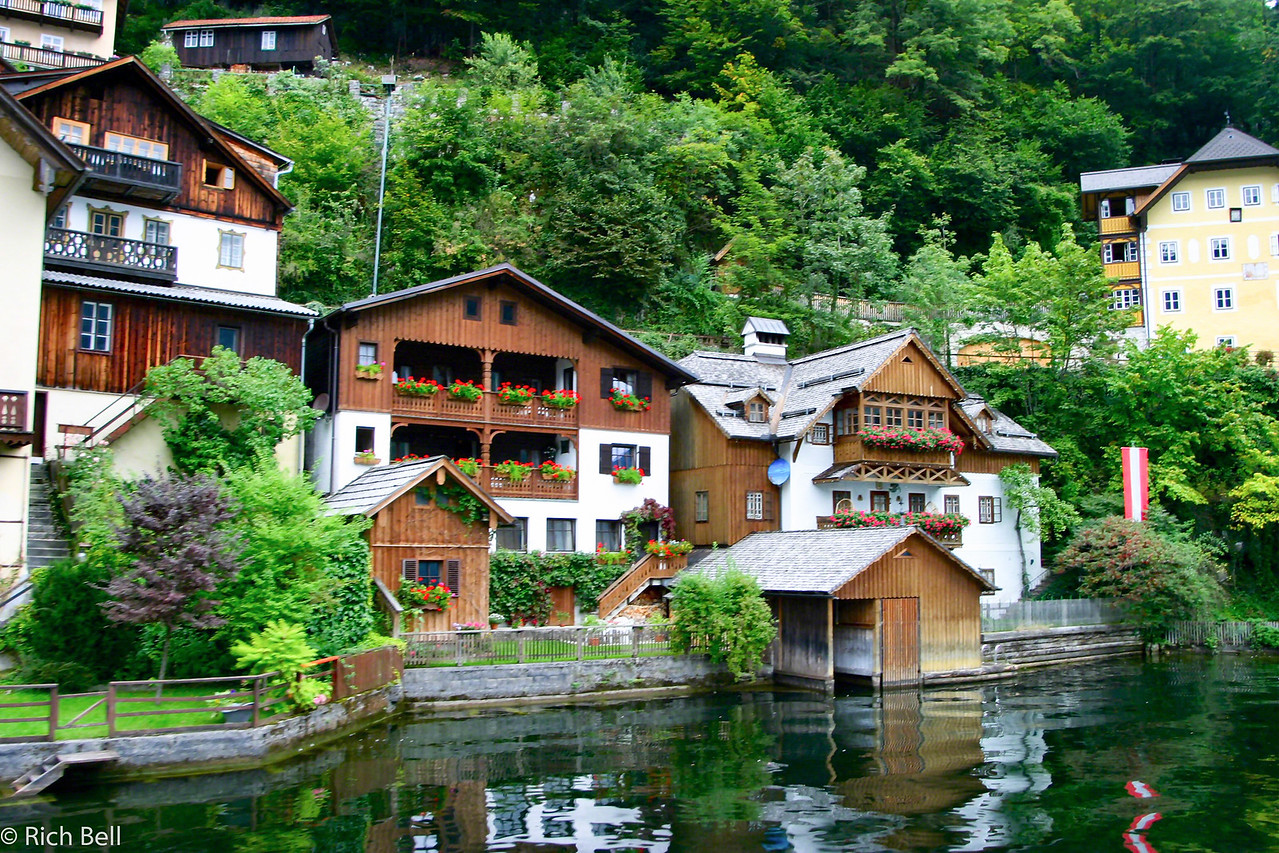20040921Homes on Hallstat Lake0465