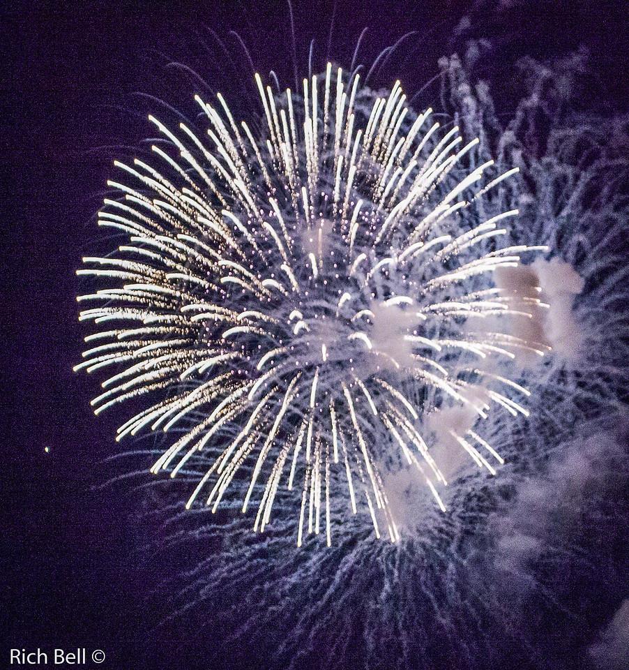 20130704 Geist Fireworks -0547