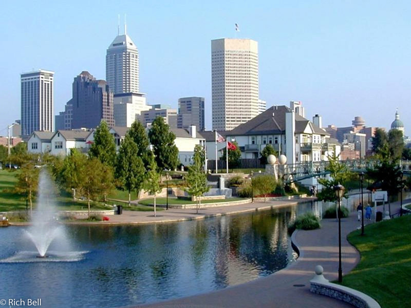 20100721Indianapolis Skyline from Canal best picture 300 0050