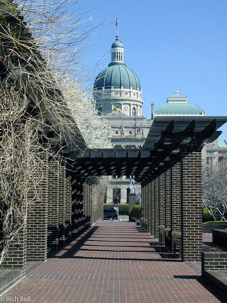20030413Westin walk way with Capitol Dome0013