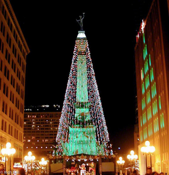 20100721South Monument at Christmas 20000067