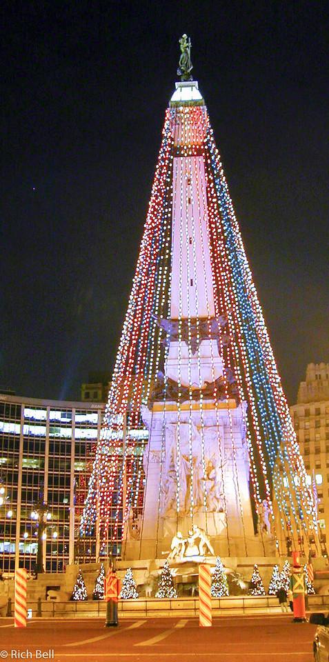 20100721Circle At Christmas 2001 looking East0037