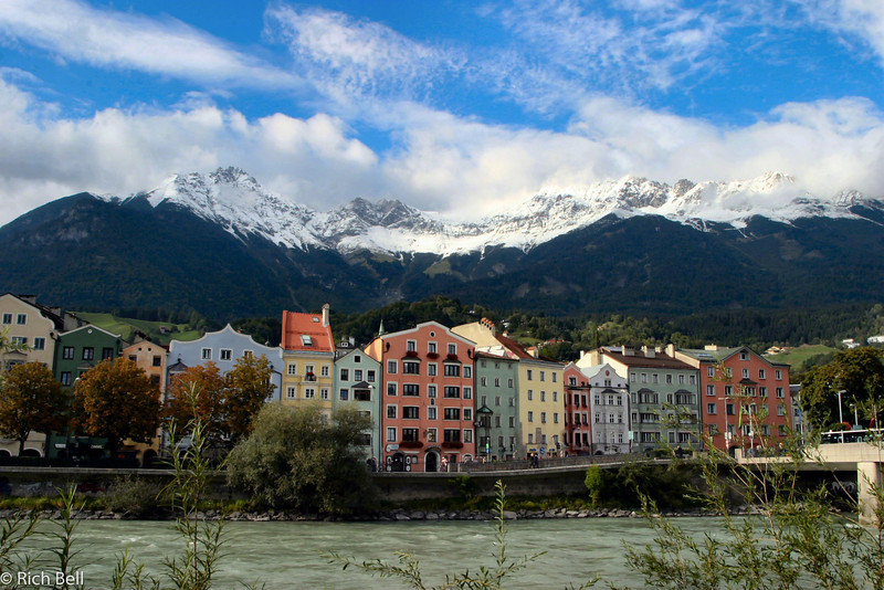 20040927Snow cap mountain above river in Innsbruck Austria0510