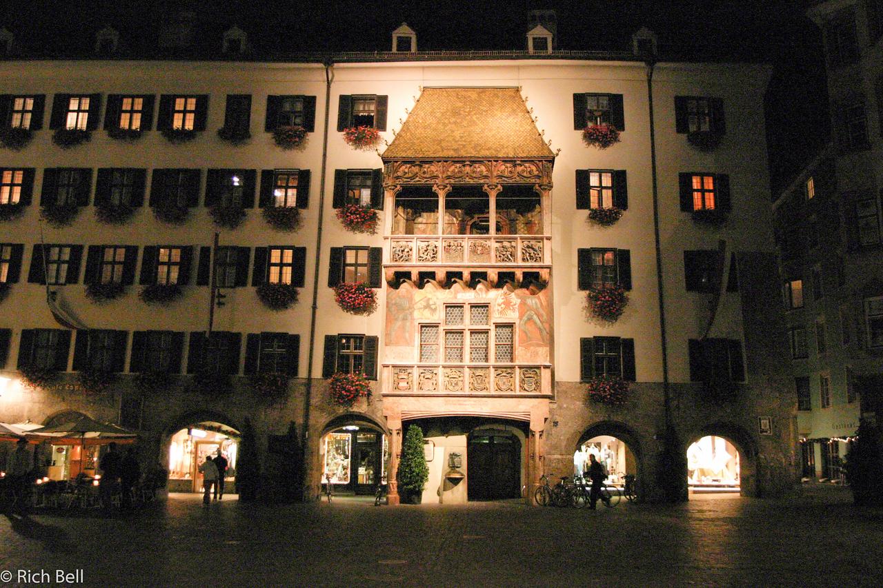 20040928Golden Roof at night Innsbruck Austria0516