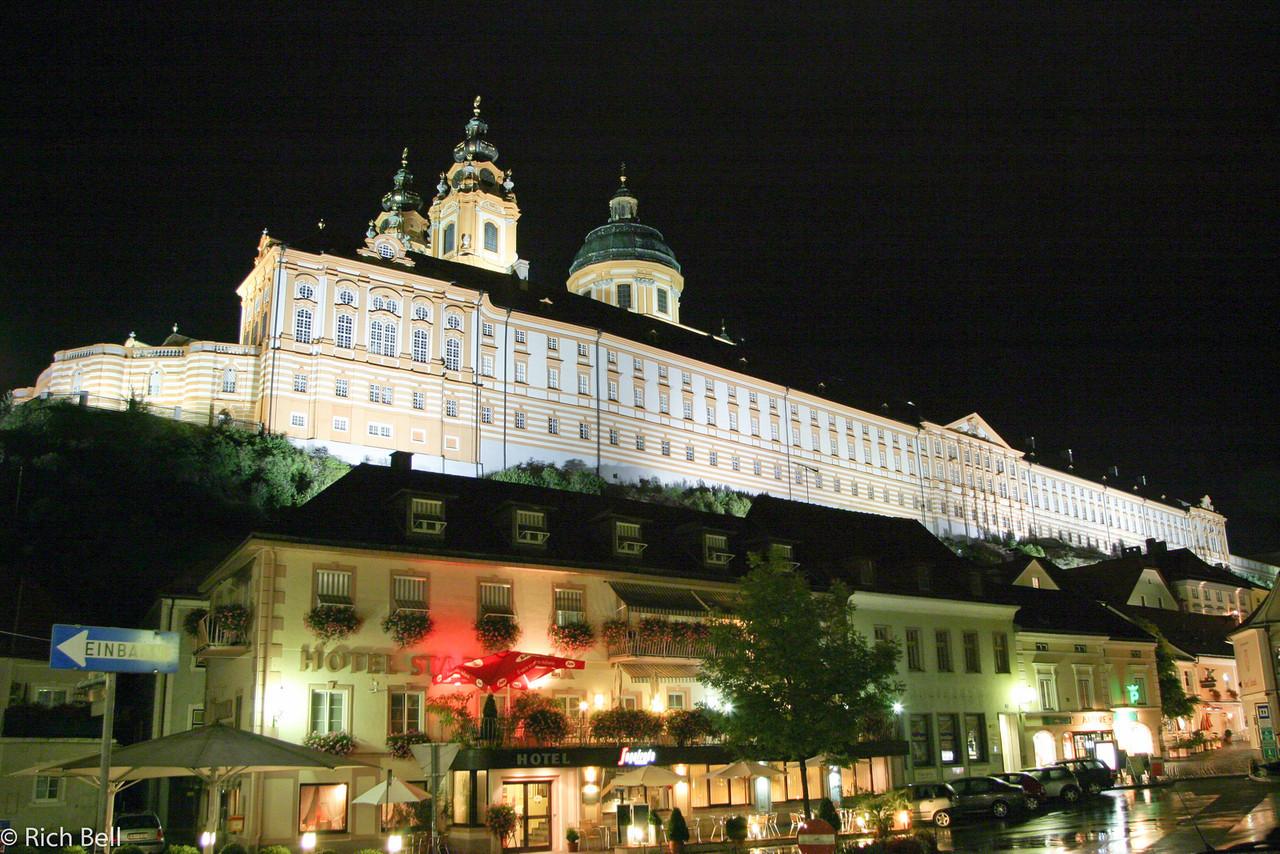 20040924Melk Abbey Austria at night0331