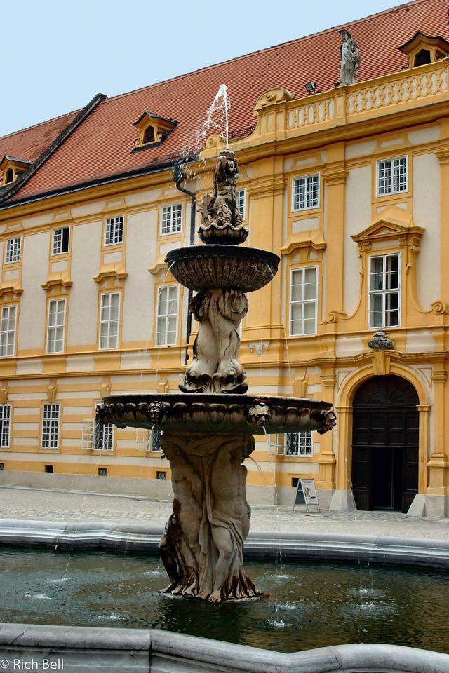 20040924Fountain in Melk Abbey Austria A0315
