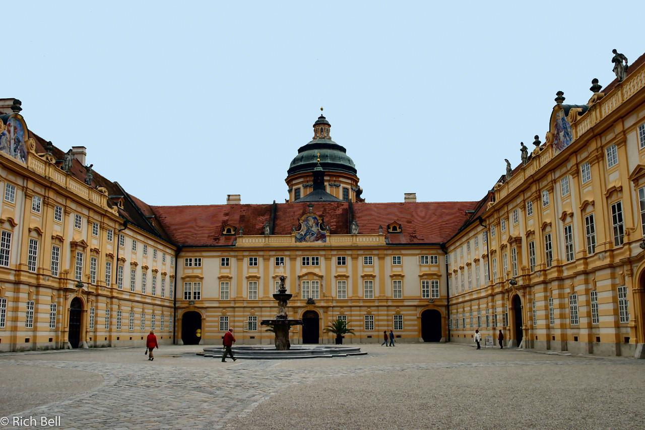 20040924Courtyard of Melk Abbey Austria A0309