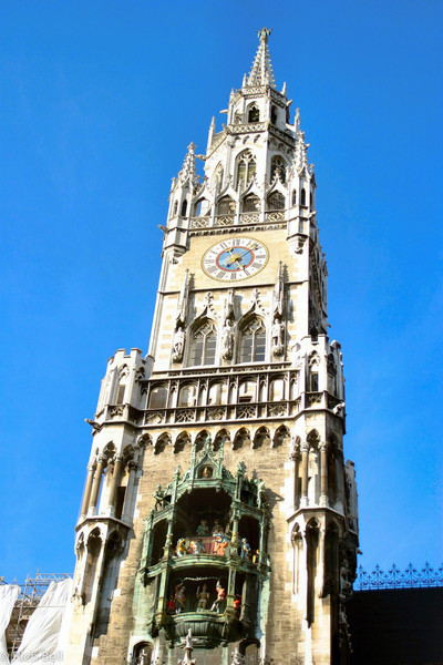 20040913Glockenspiel in Marienplatz Munich Germany 20109