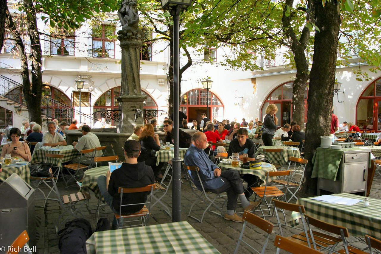 20040913Hofbrauhaus Munich Germany0103