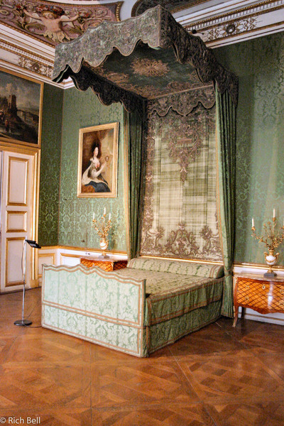 20040913Nymphenburg Palace one of the bedrooms Munich Germany0086