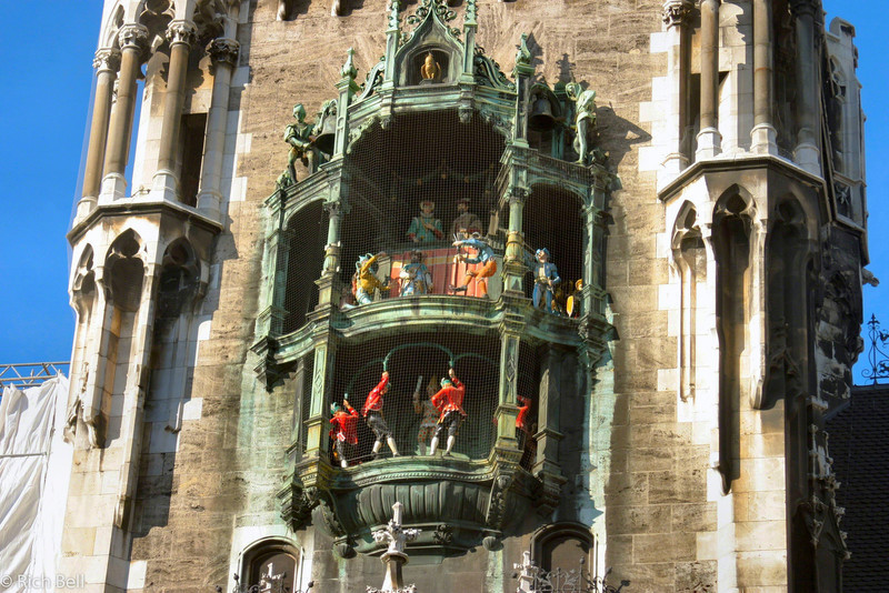 20040913Glockenspiel in Marienplatz Munich Germany0108