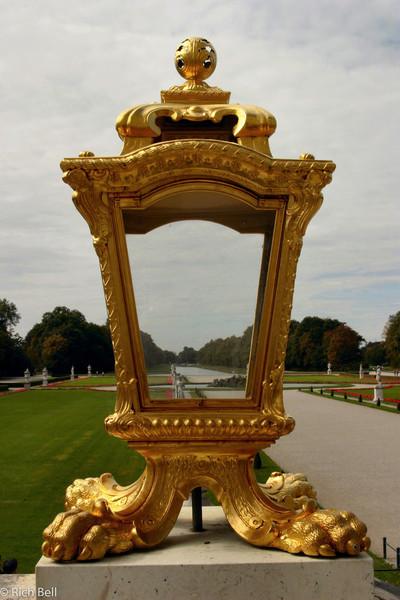 20040913Nymphenburg Palace lightpost Munich Germany0095