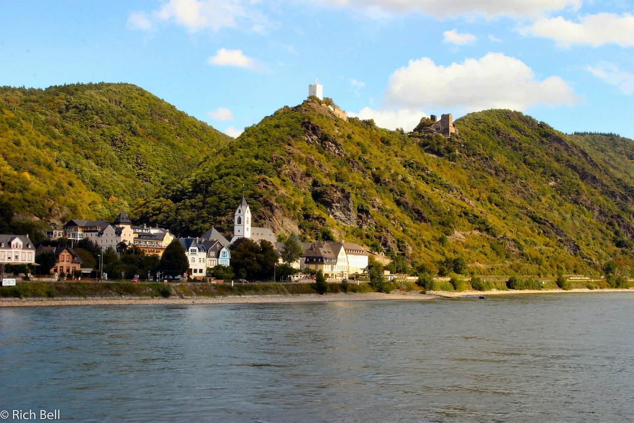 20040915Hostile Brothers Castle on the Rhine River in Burg Liebenstein Germany0149