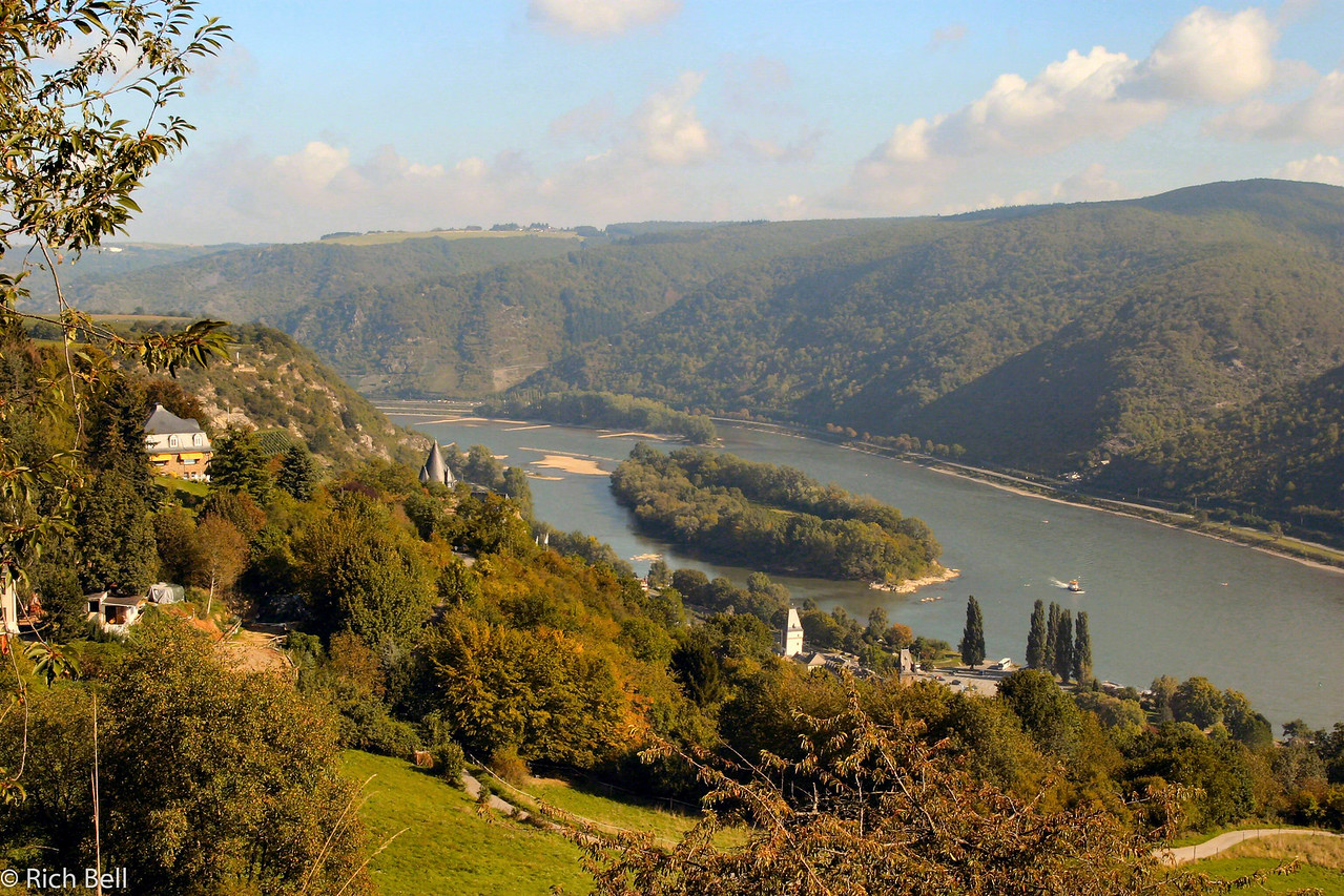 20040916Rhine River from Bacharch hilltop Germany0161
