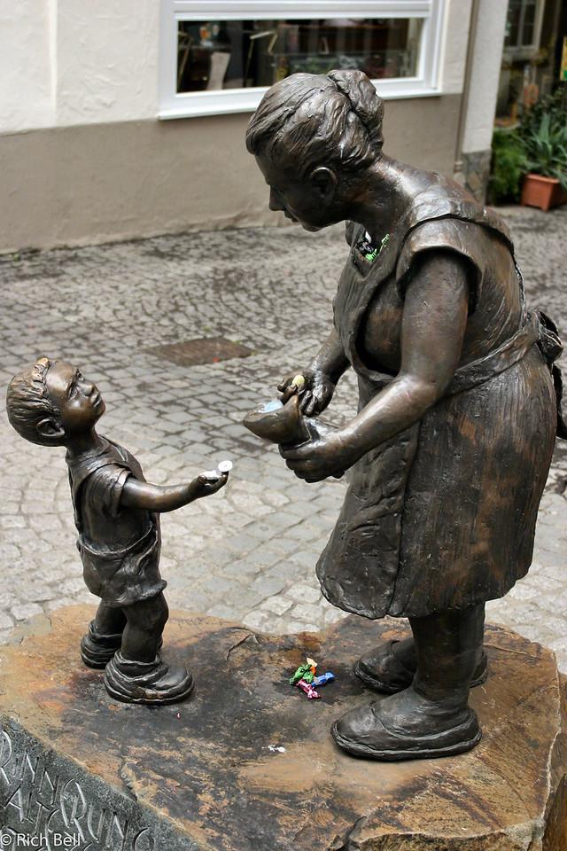 20040915Statute in Boppard Germany0181