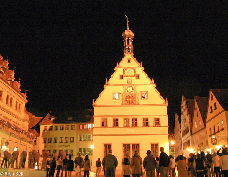 20040917Rothenberg Germany at Night on the hour show0210