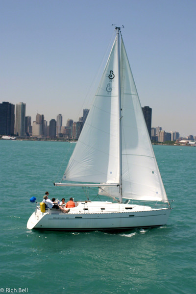 20100721Sailboat in Chicago harbor 0167