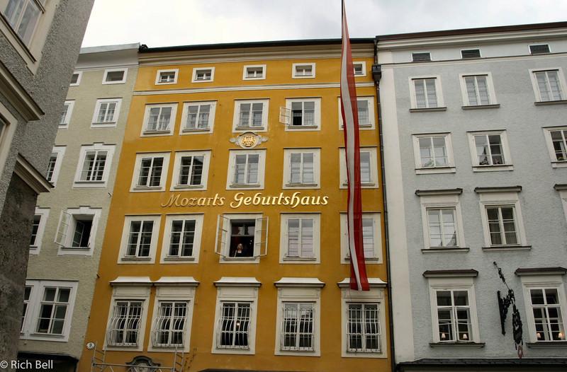 20040922Mozart's Geburtshaus Salzburg Austria0252