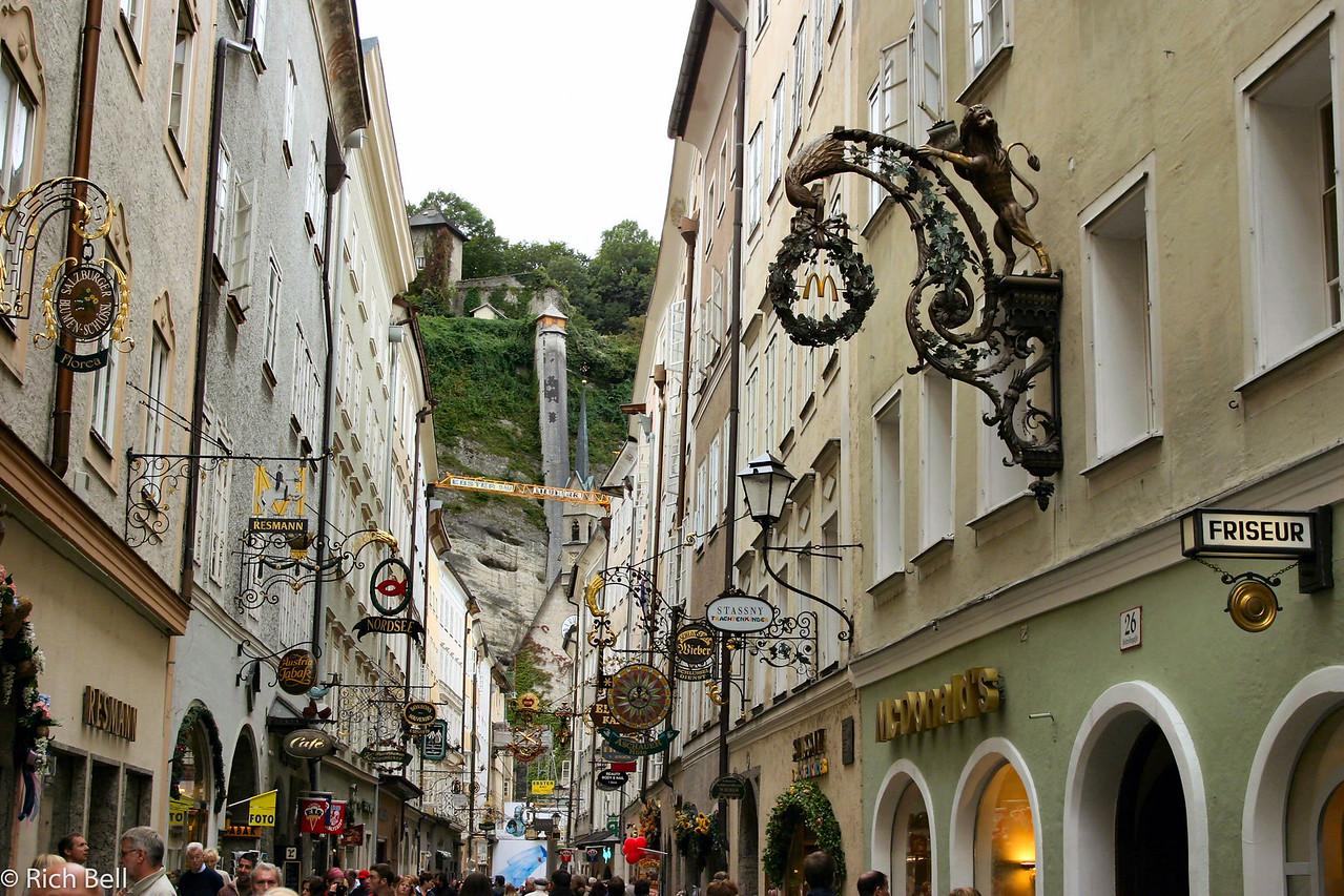 20040922McDonalds in Downtown Salzburg Austria0250