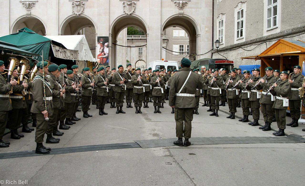 20040922Austrian Army Band in Concert in Mozartplatz Salzburg Austria0233