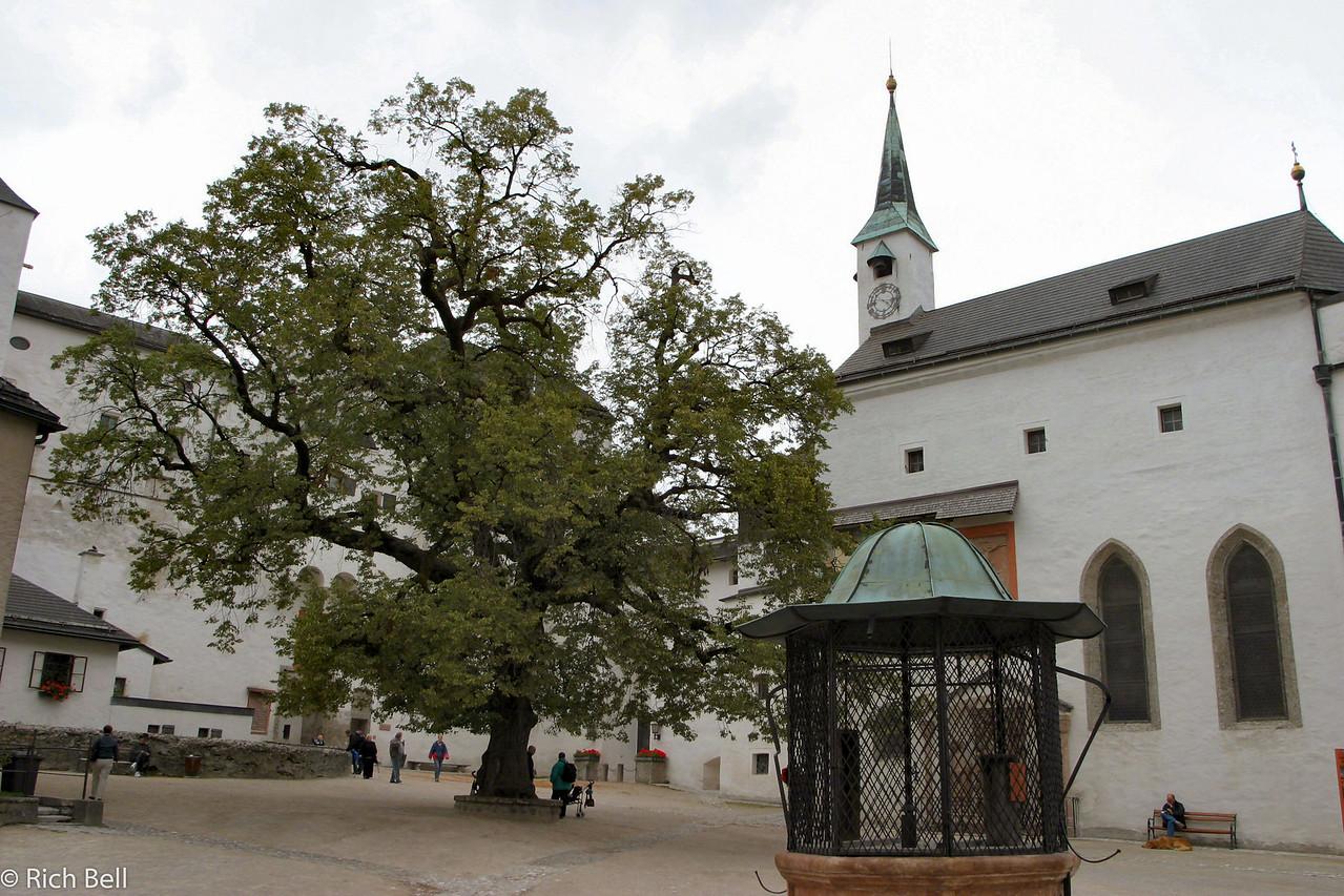 20040922Downtain Salzburg Austria0236