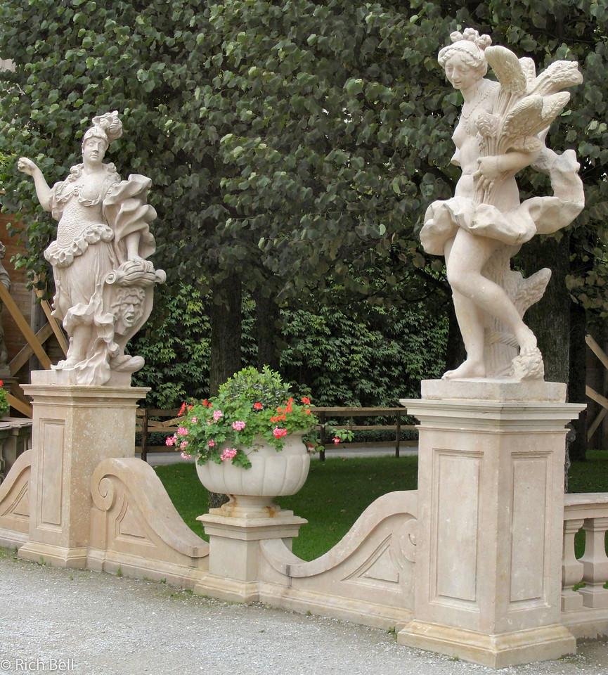20040922Statutes Maribella Gardens Salzburg Austria0264