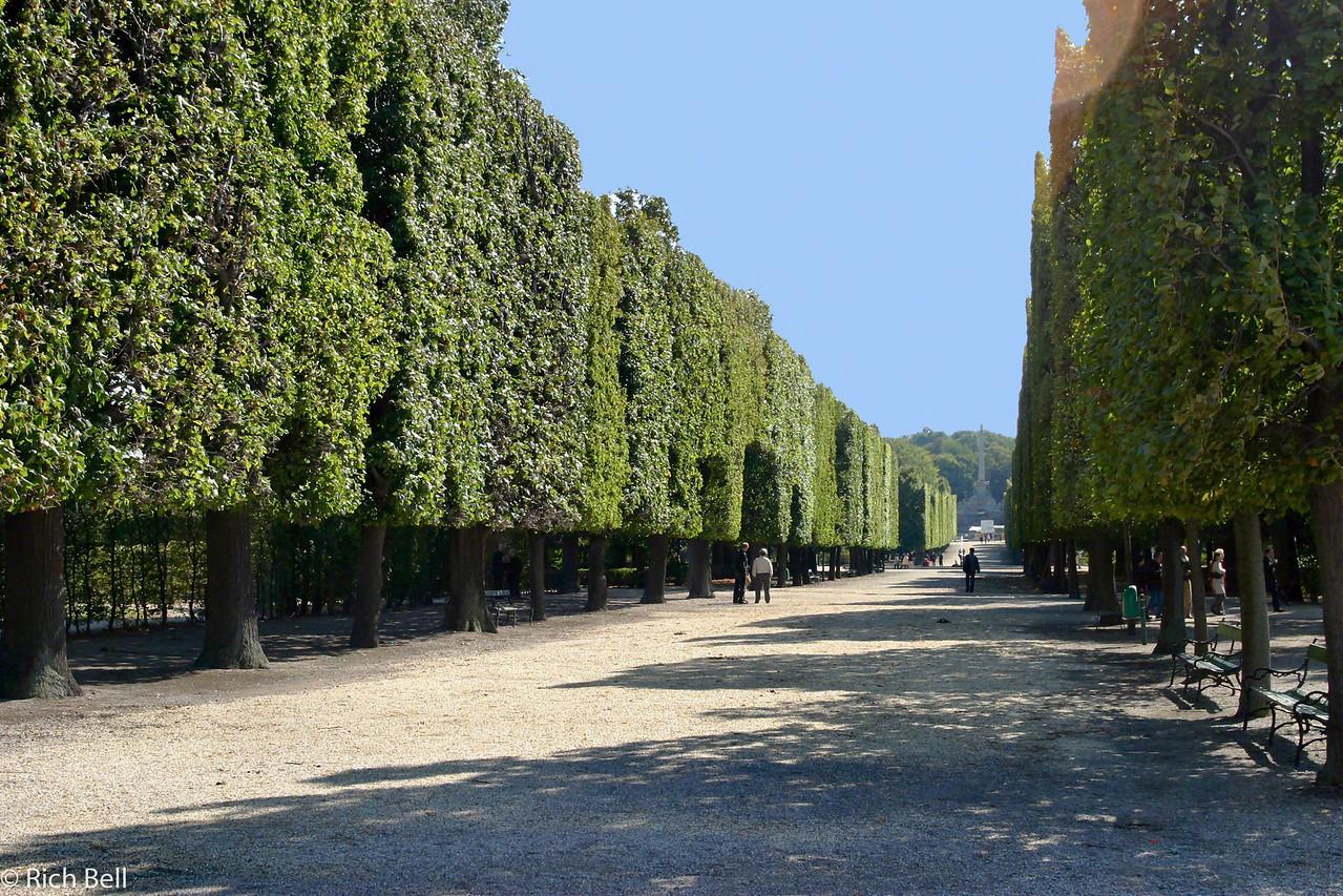 20040926Schonbrunn Palace Grounds Vienna Austria0416