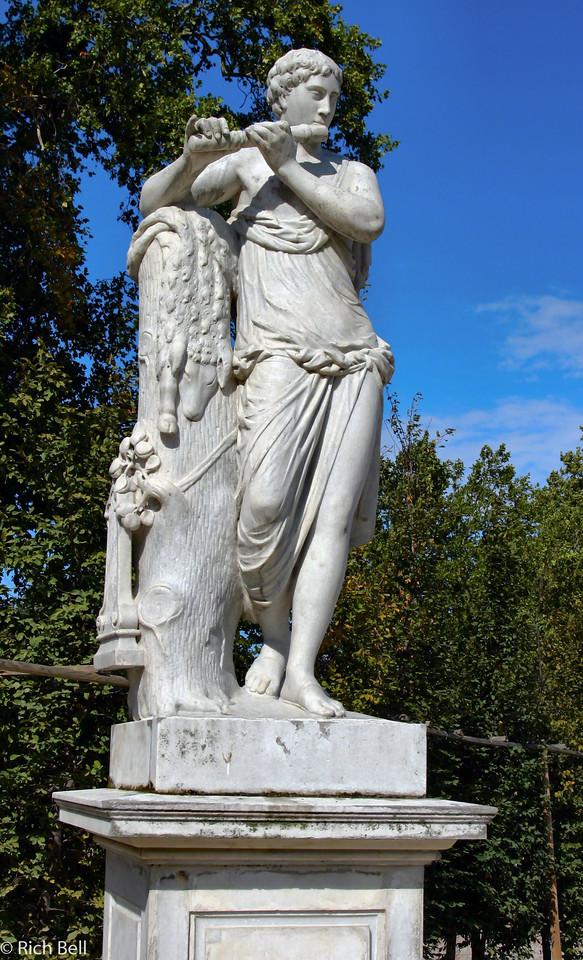 20040926Schonbrunn Palace  Statute Vienna Austria 40409