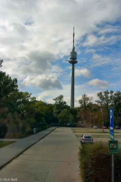 20040925Tower in Vienna city Austria0443