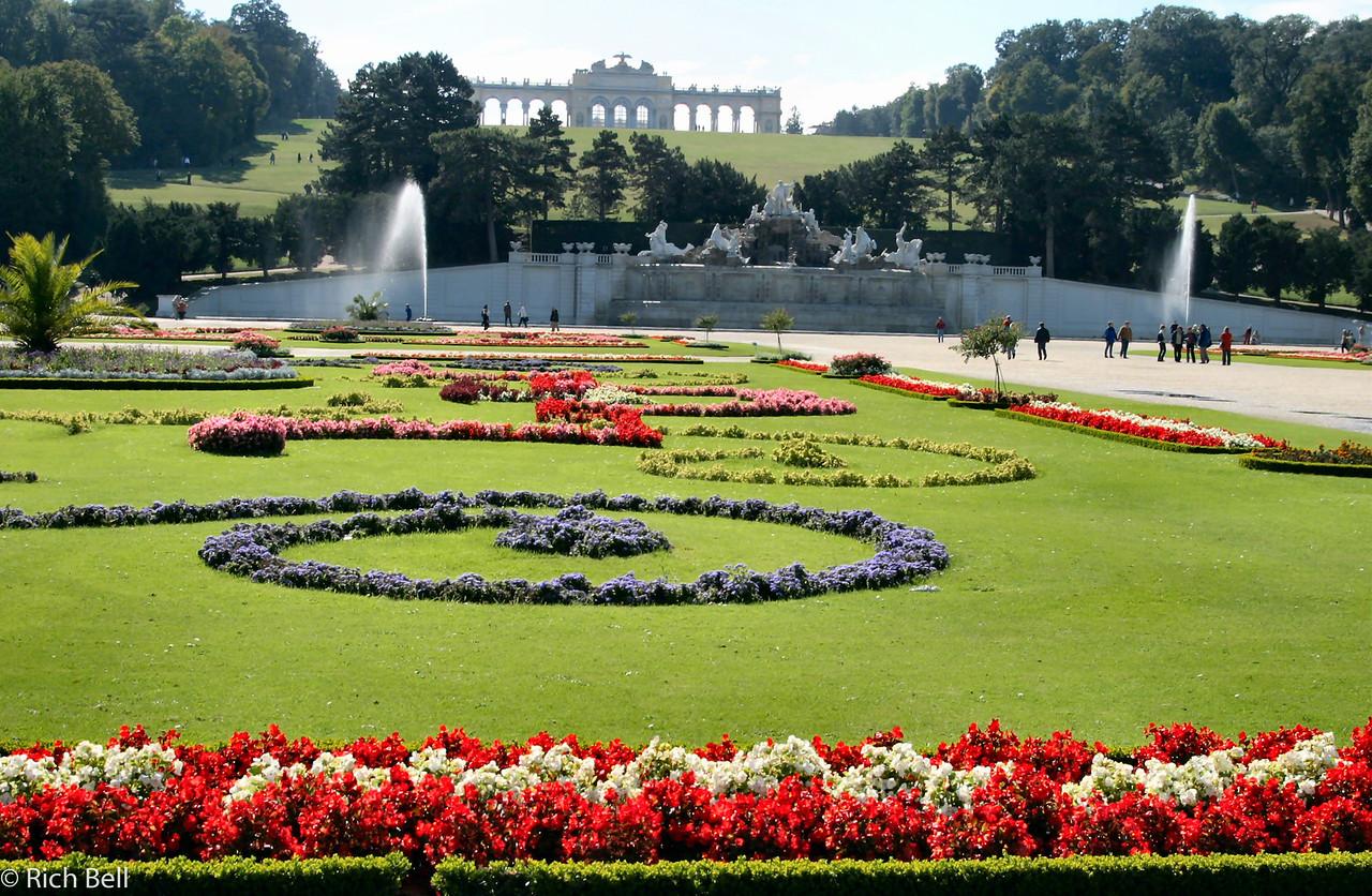 20040926Schonbrunn Palace  Fountains Vienna Austria0404