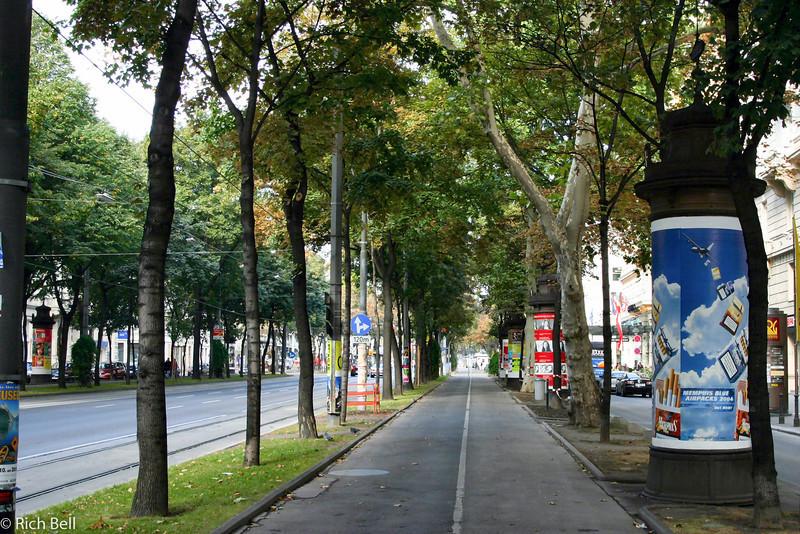 20040925Downtown Walk way Vienna Austria0368