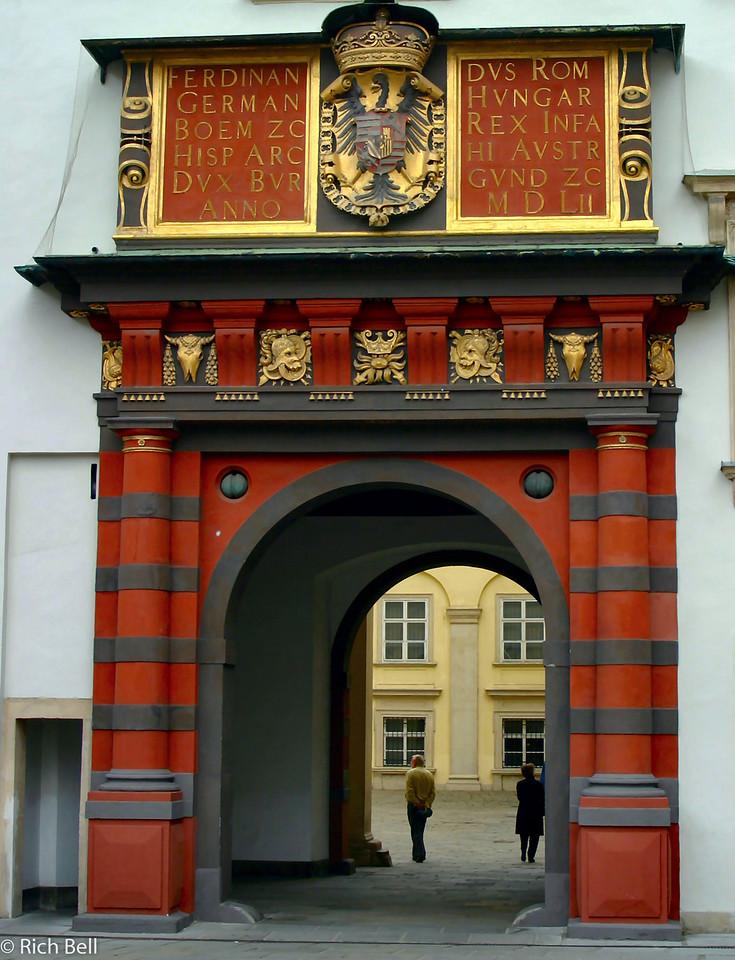 20040925Hofburg Palace Archway Vienna Austria0378